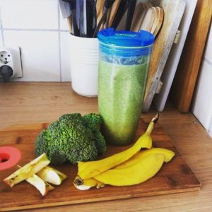 Smoothie met broccoli en ananas